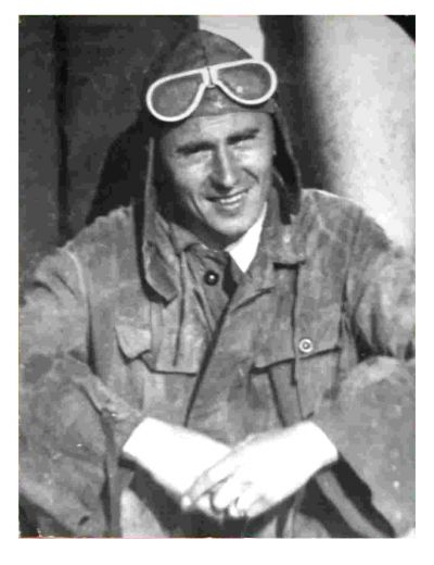 Tátův tatínek po válce v leteckém mundůru